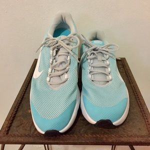 NIKE RUNALLDAY Running Trainers Sz 11 Used once.